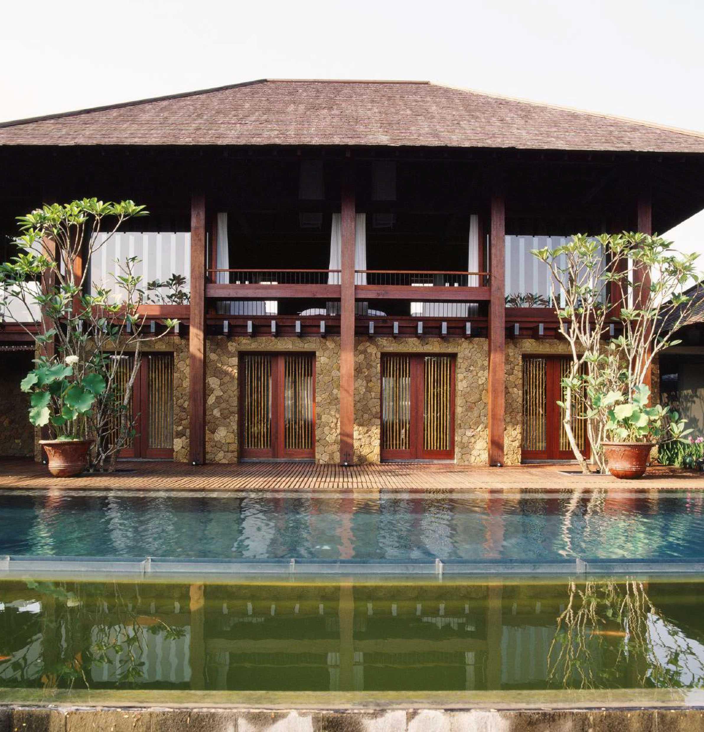 Studio Air Putih Ak_House Rancamaya, Bogor Rancamaya, Bogor Swimming Pool View Tradisional  25022