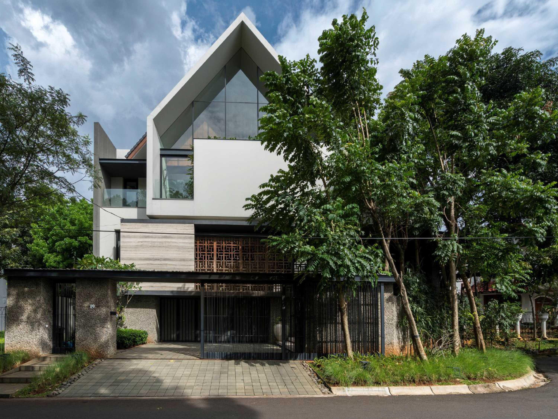 Studio Air Putih Ik_House Pondok Indah, Jakarta, Indonesia Pondok Indah, Jakarta, Indonesia Front View Contemporary  25193