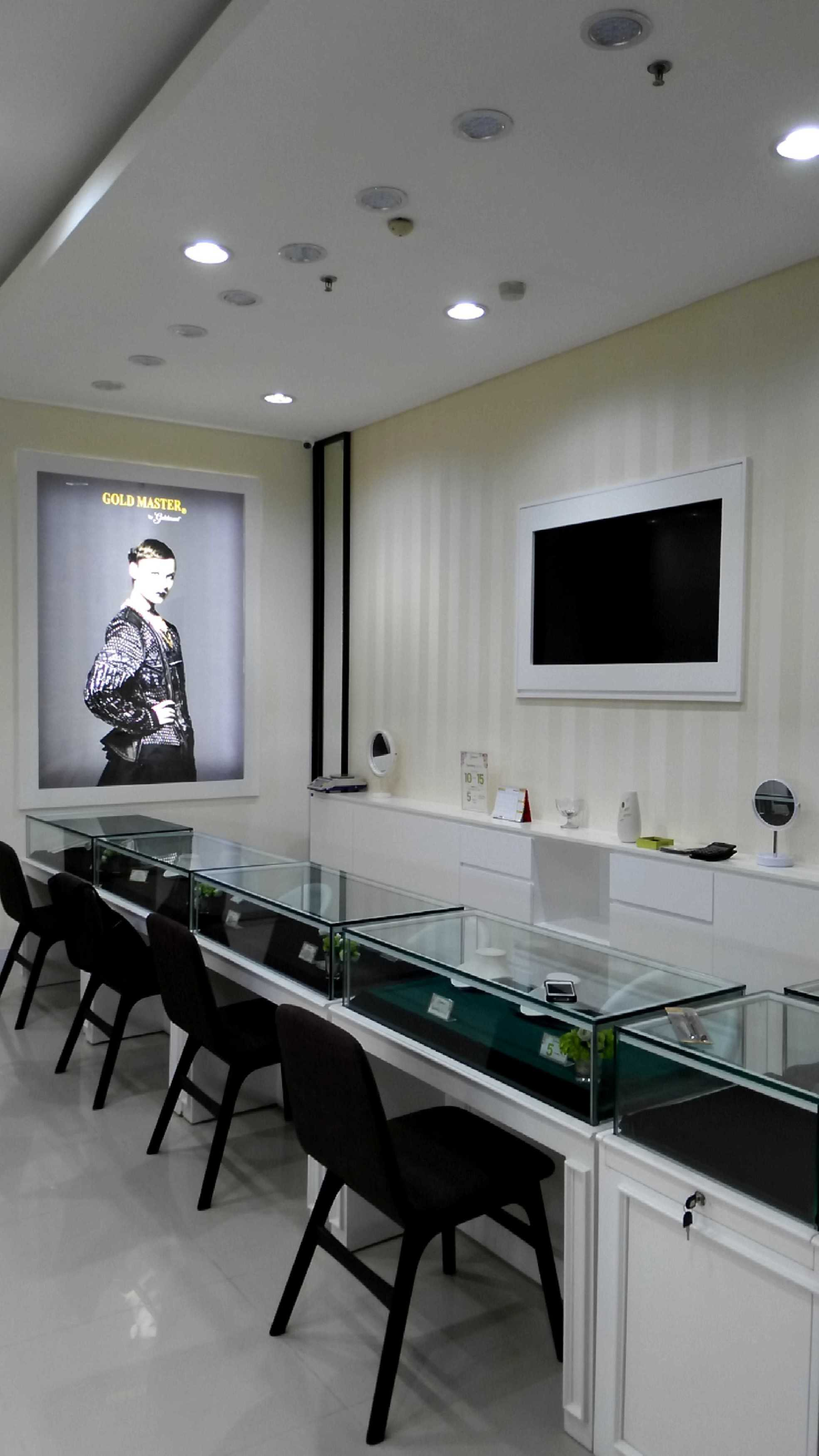 Agra Showroom Goldmart Depok Depok City, West Java, Indonesia Depok City, West Java, Indonesia Interior 3 Modern  30860