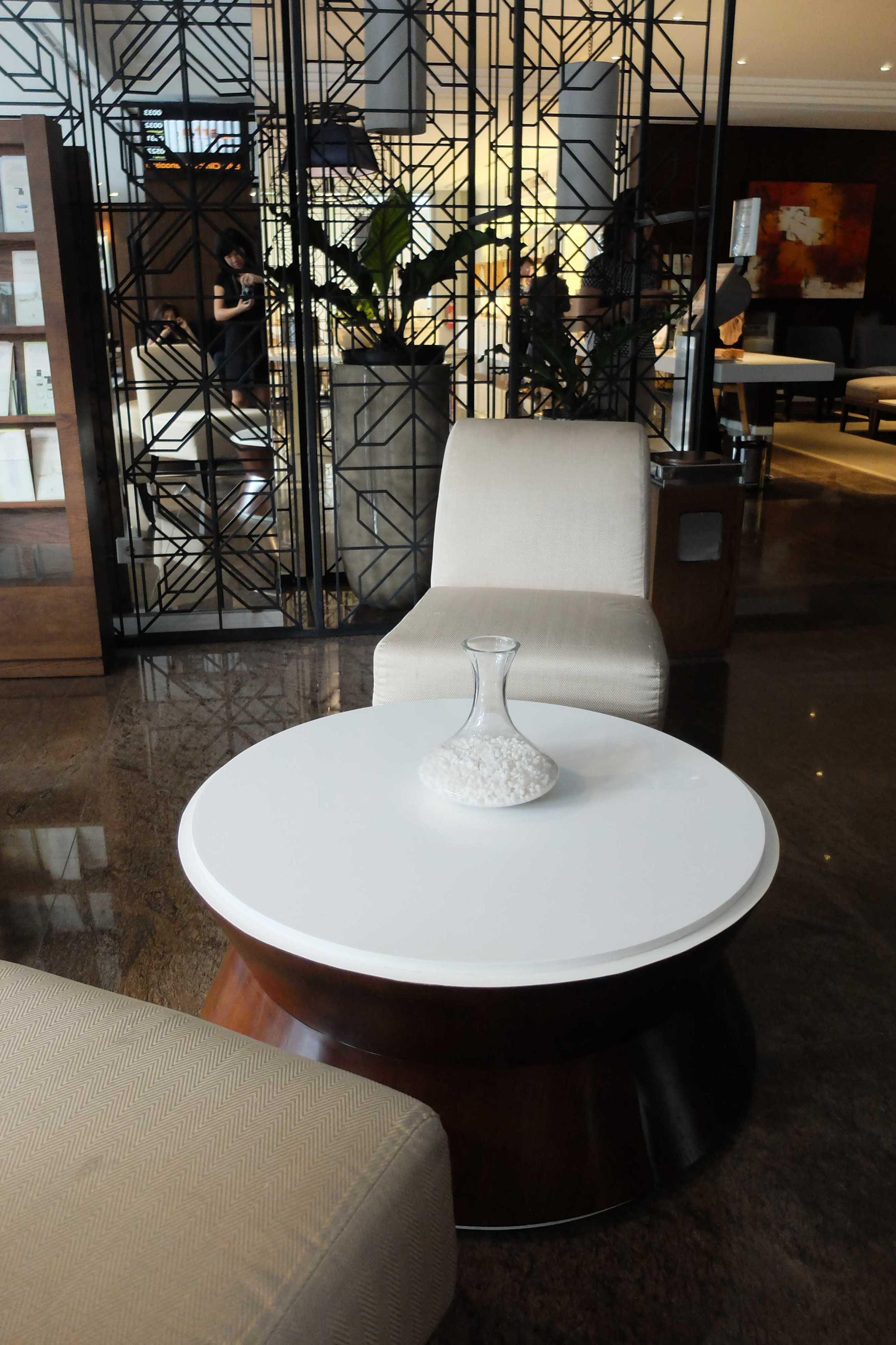 Pt. Modula Erha Clinic Kemanggisan  Jakarta Jakarta The Lobby Modern  26911