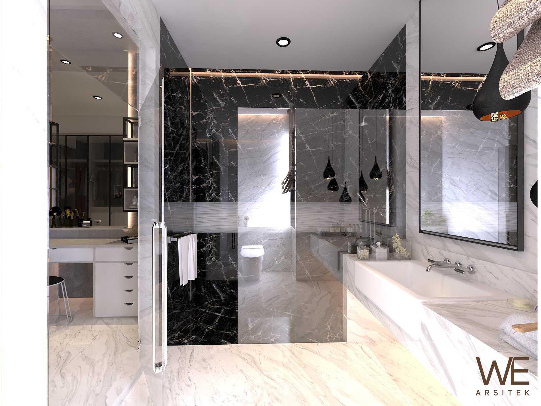 We Arsitek Li Residence - Contemporary Kota Medan, Sumatera Utara, Indonesia Kota Medan, Sumatera Utara, Indonesia Bathroom   45720