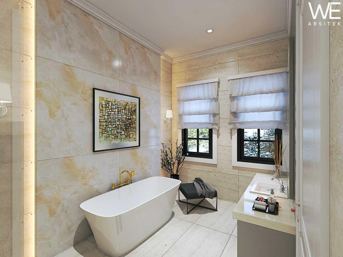 We Arsitek Jh's Residence - Classic Style Medan, Kota Medan, Sumatera Utara, Indonesia Medan, Kota Medan, Sumatera Utara, Indonesia Bathroom Klasik  45815