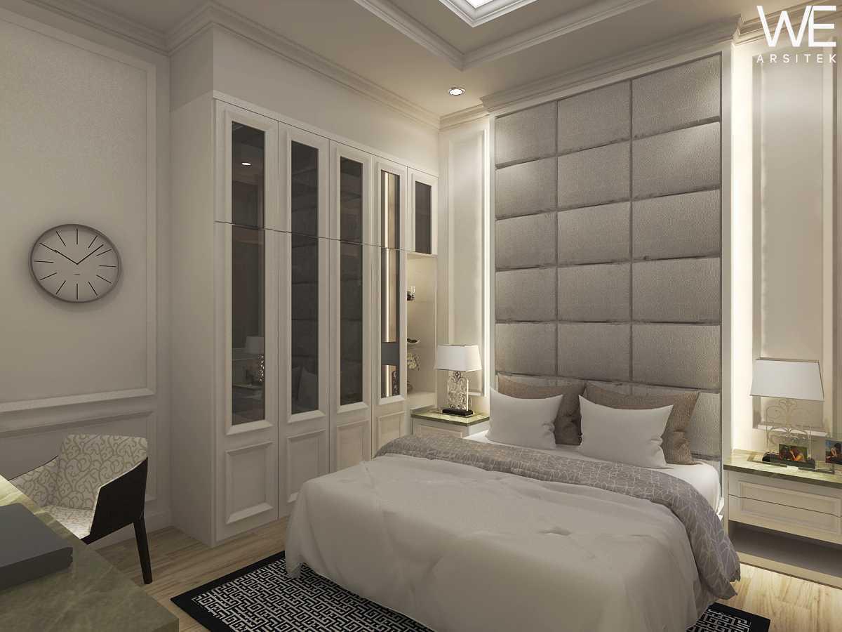 We Arsitek Jh's Residence - Classic Style Medan, Kota Medan, Sumatera Utara, Indonesia Medan, Kota Medan, Sumatera Utara, Indonesia Bedroom Klasik  45817