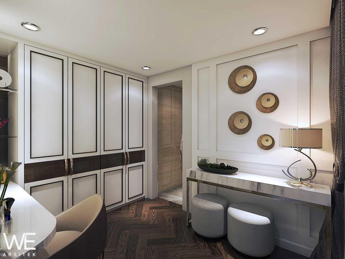We Arsitek Wh's Residence - Contemporary Style Medan, Kota Medan, Sumatera Utara, Indonesia Medan, Kota Medan, Sumatera Utara, Indonesia Wardrobe   45819