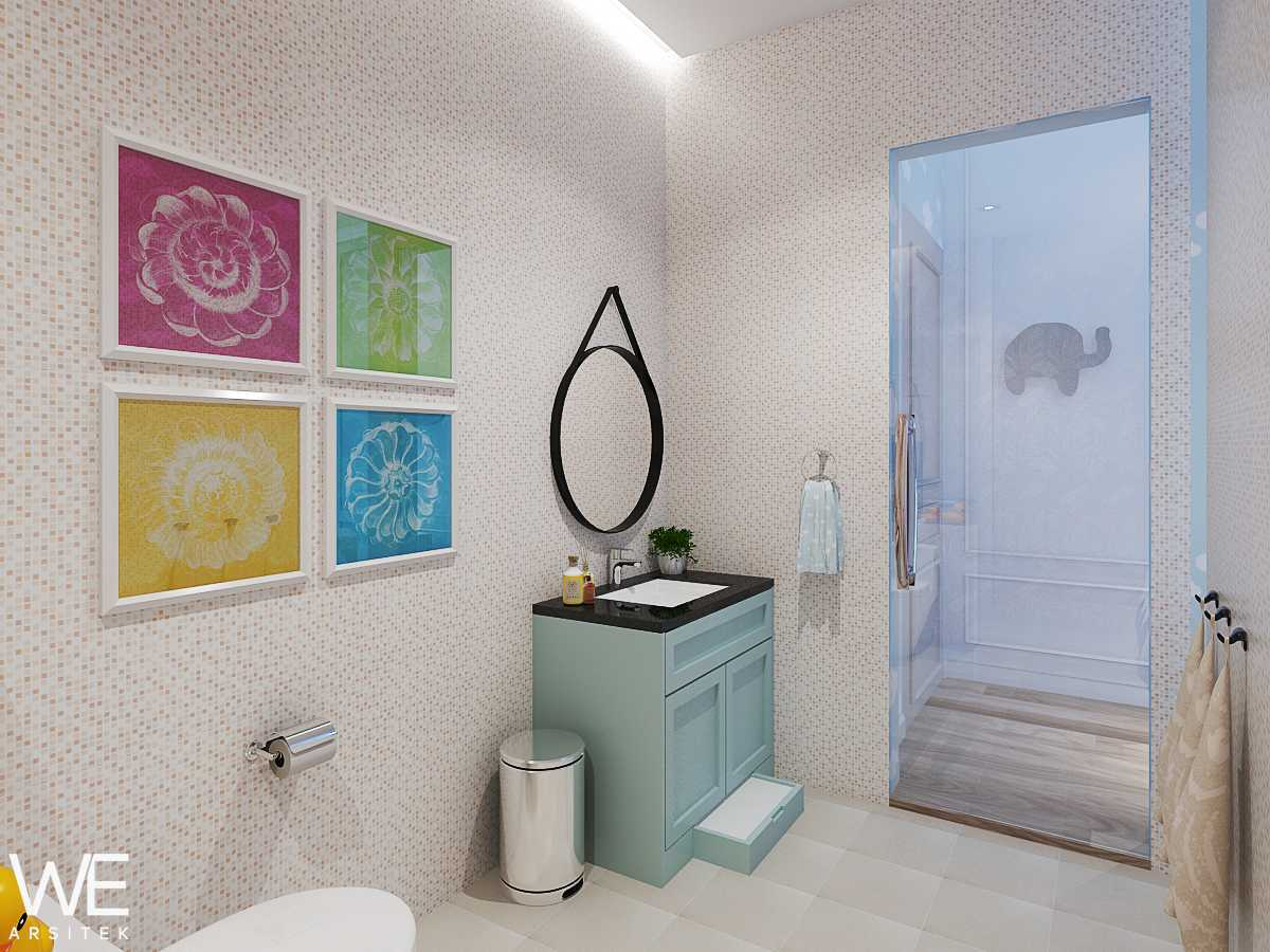 We Arsitek Wh's Residence - Contemporary Style Medan, Kota Medan, Sumatera Utara, Indonesia Medan, Kota Medan, Sumatera Utara, Indonesia Kids Bathroom   45834