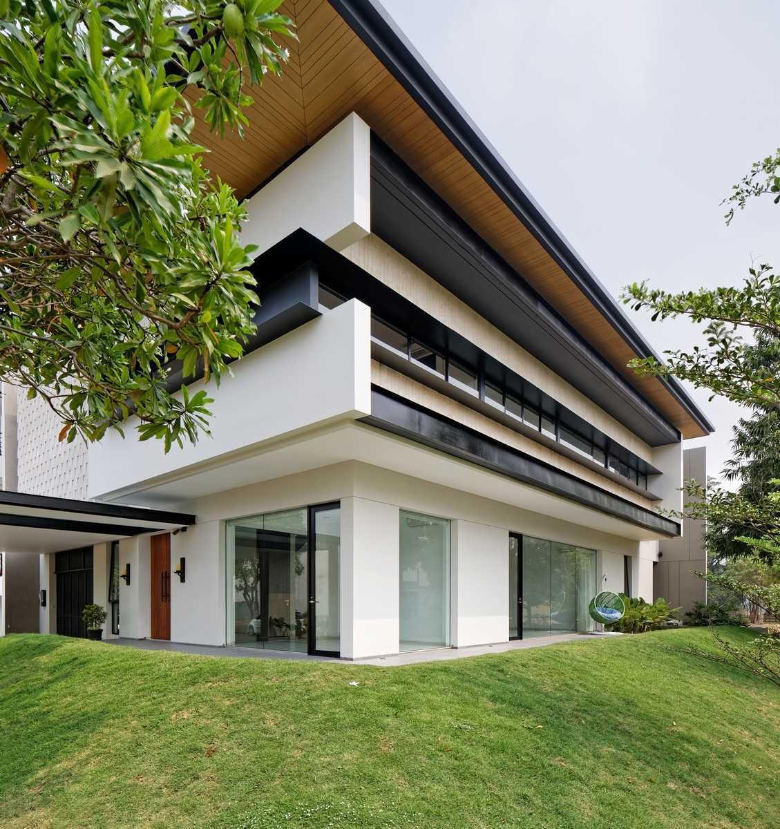 Axialstudio Rs House Alam Sutera - Tangerang Alam Sutera - Tangerang Facade View Tropical  29247