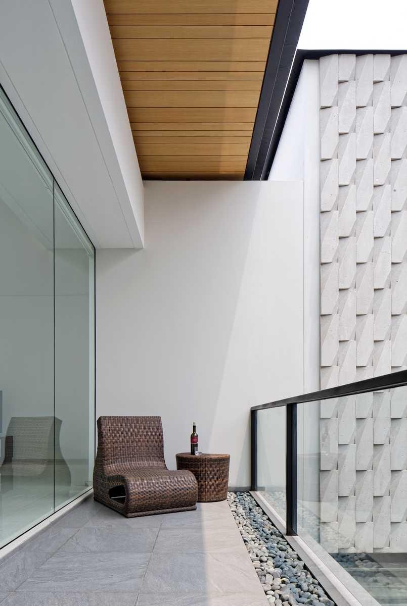 Axialstudio Rs House Alam Sutera - Tangerang Alam Sutera - Tangerang Balcony Area Modern  29255