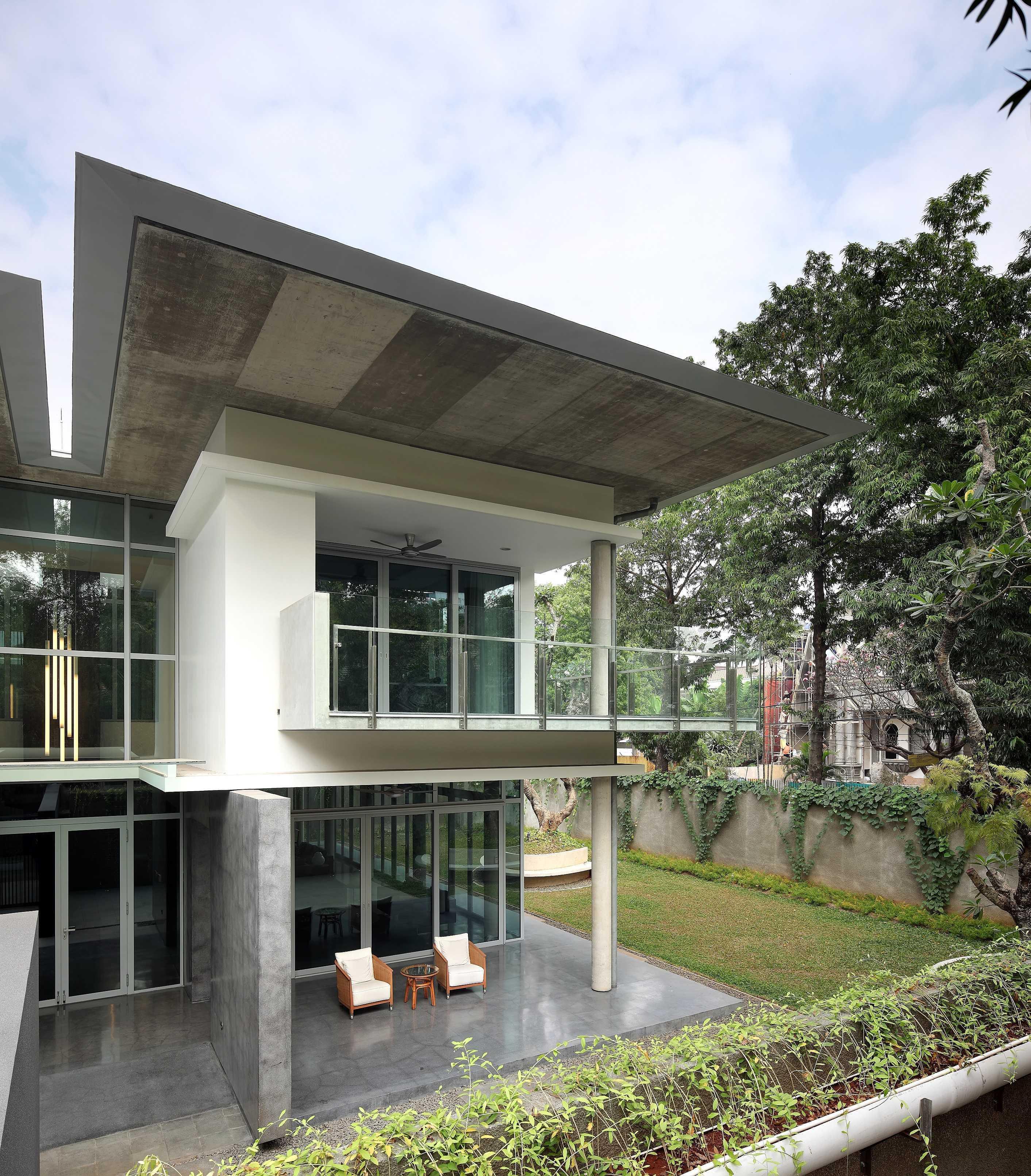 Irianto Purnomo Hadi Swiss Embassy  Jakarta, Indonesia Exterior View Kontemporer  30239