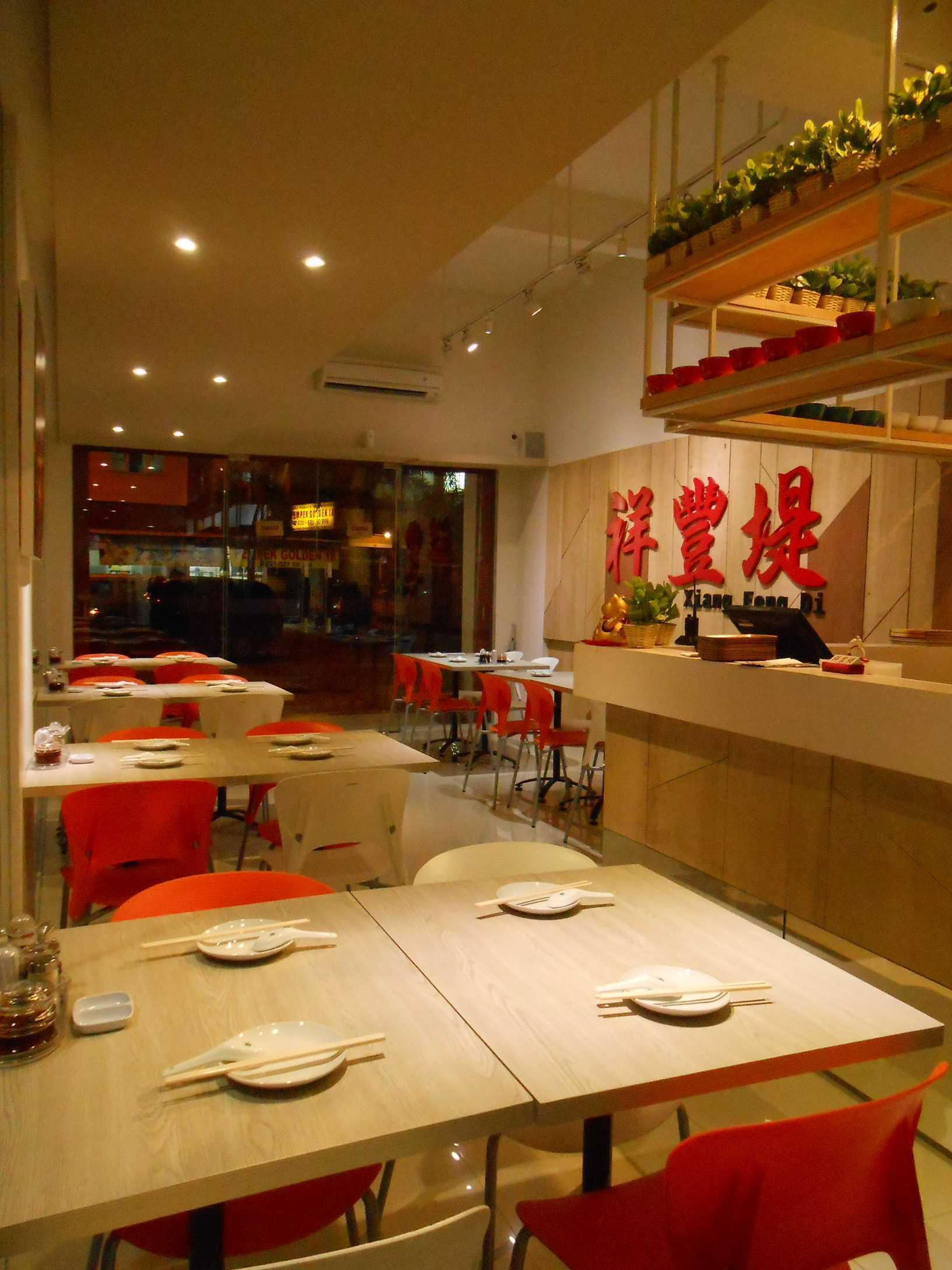 Studio Tektonik Resto Xian Feng Di Golden Boulevard, Jl. Raya Serpong, Lengkong Karya, Serpong Utara, Kota Tangerang Selatan, Banten 15310, Indonesia  013-Lr-2 Modern,asian  31682