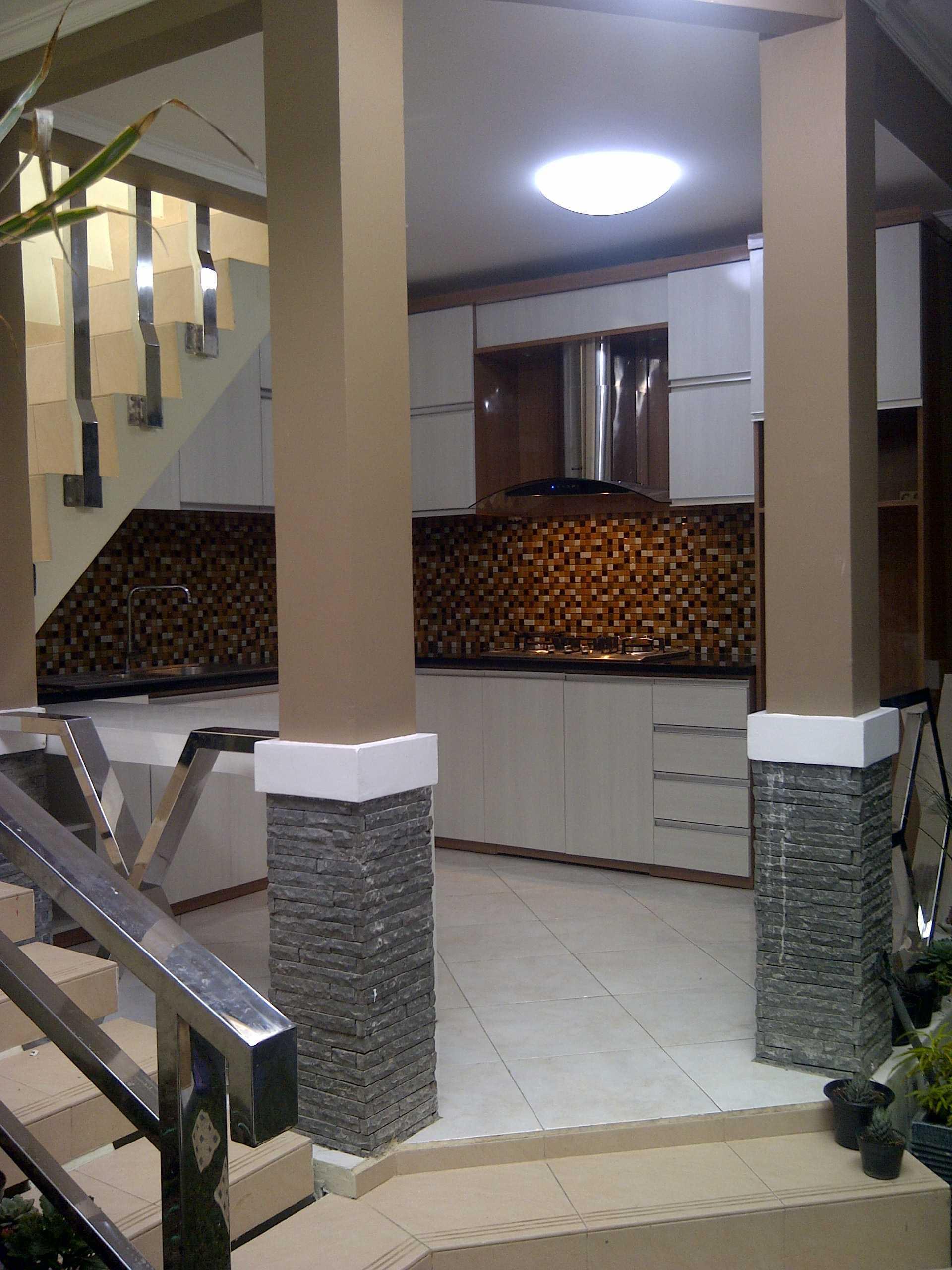 4 Sisi Indonesia Kitchen Set Bandung City, West Java, Indonesia  Img-20130513-00565   34532