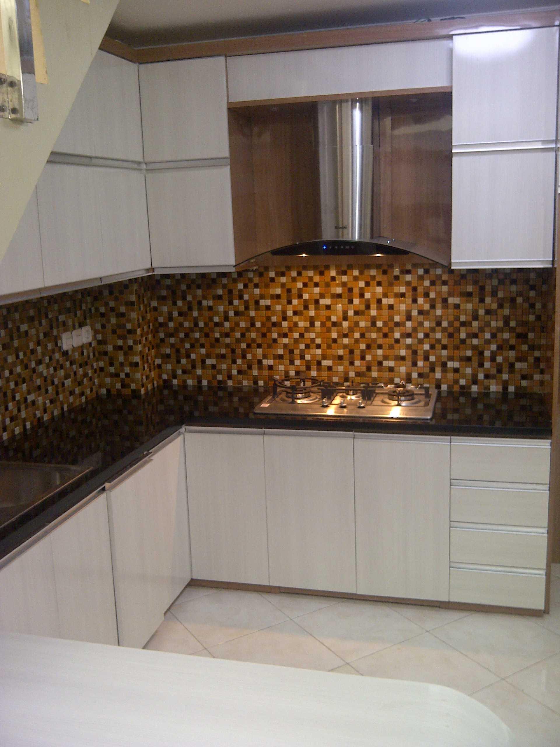 4 Sisi Indonesia Kitchen Set Bandung City, West Java, Indonesia  Img-20130513-00566   34539