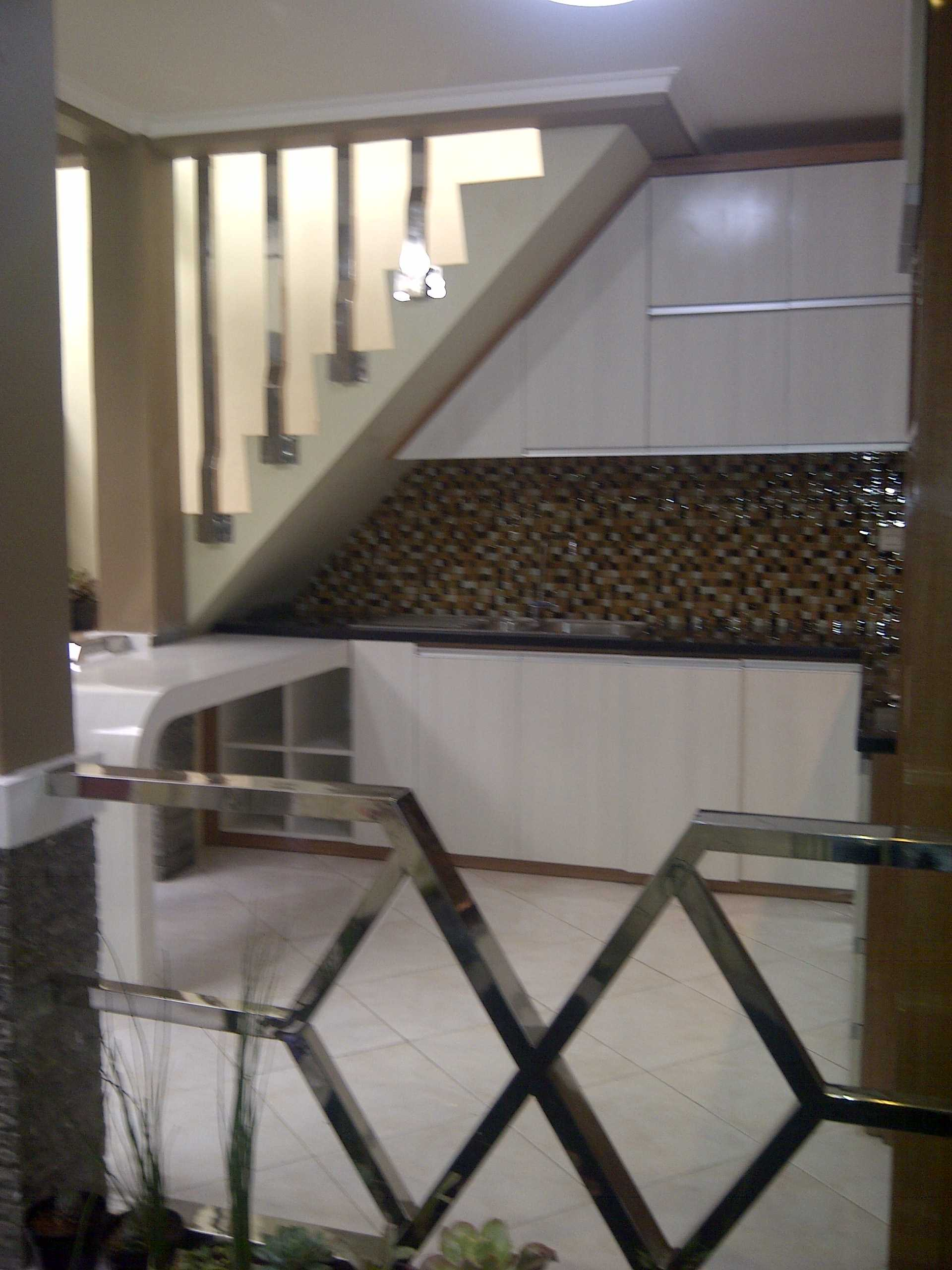 4 Sisi Indonesia Kitchen Set Bandung City, West Java, Indonesia  Img-20130513-00577   34547