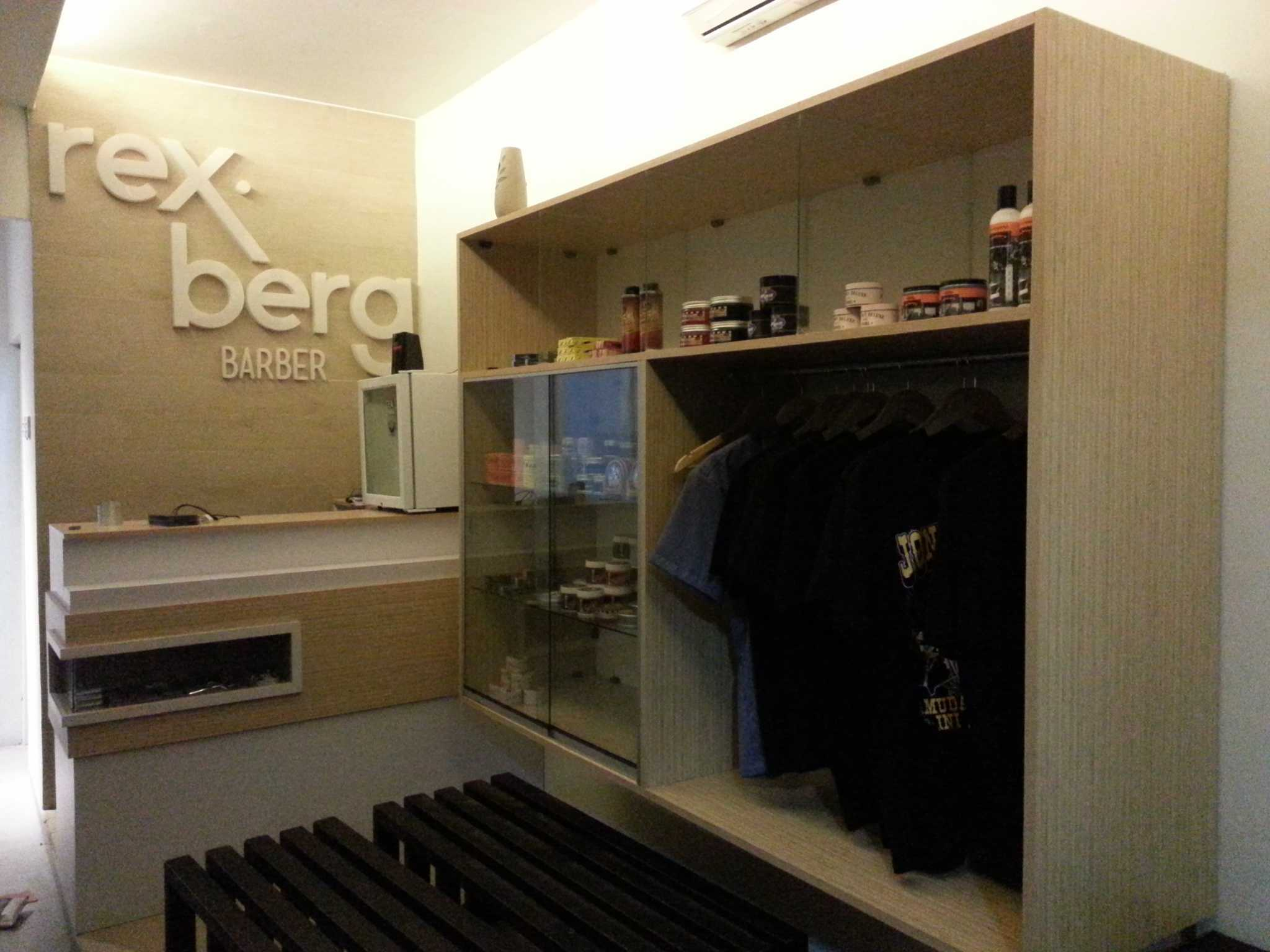 M.a.n Rexberg Barbershop West Karawang, Karawang Regency, West Java, Indonesia West Karawang, Karawang Regency, West Java, Indonesia 20151119002157 Modern  35856