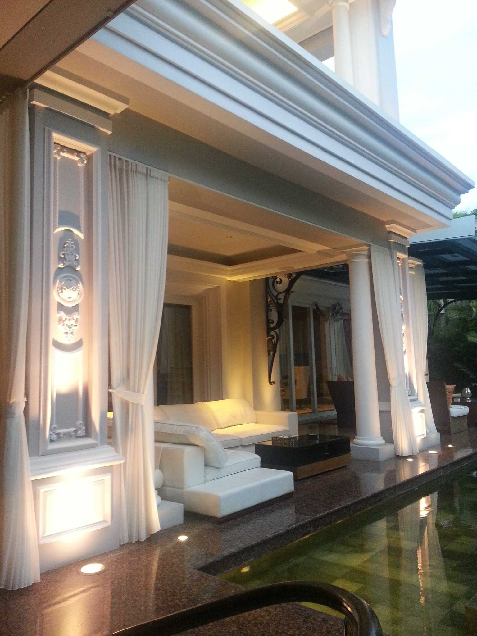 A N J A R S I T E K Classic House - Renon / Bali Renon, South Denpasar, Denpasar City, Bali, Indonesia Renon, South Denpasar, Denpasar City, Bali, Indonesia Terrace At Back House Klasik Terrace At Back House 35296