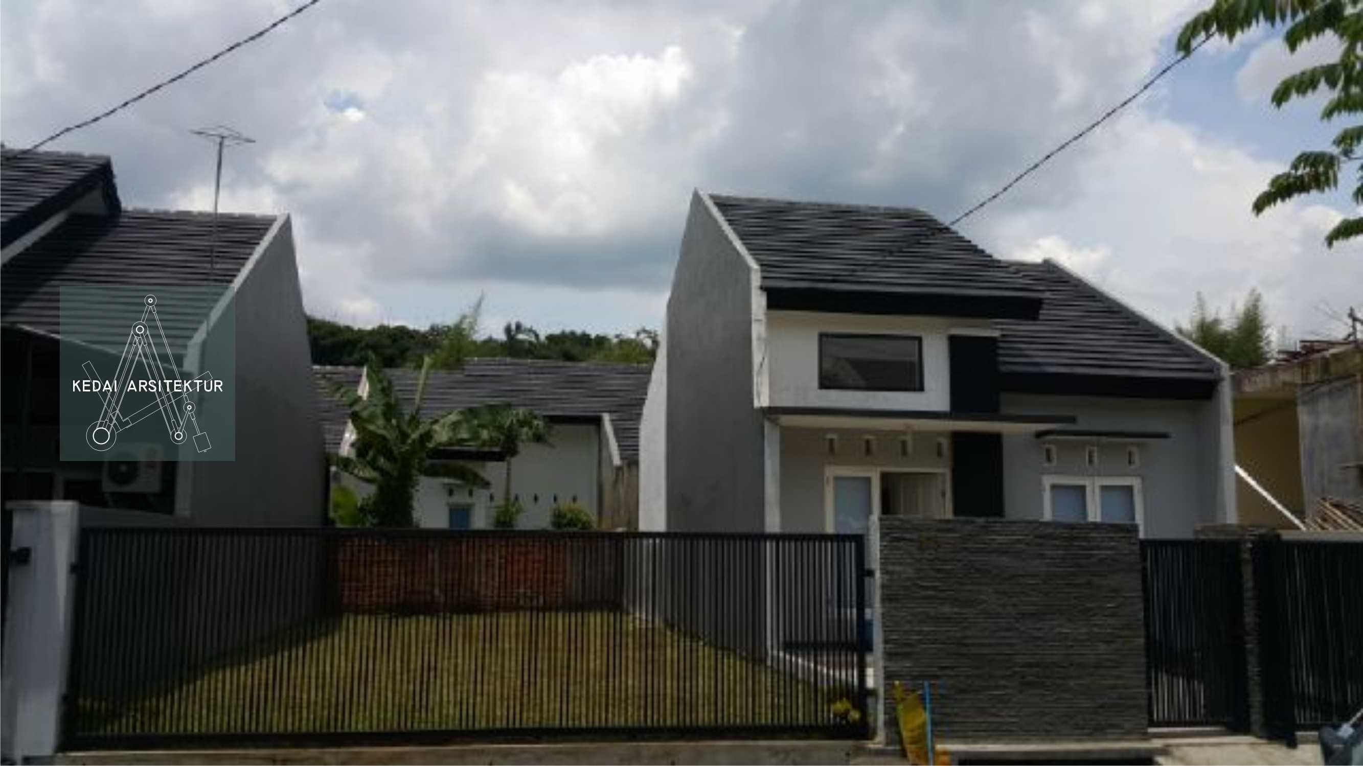 Kedai.arsitektur House In Cilebut Jl. Pendidikan 2, Cilebut, Cilebut Bar., Sukaraja, Bogor, Jawa Barat 16157, Indonesia  Rmh-Cilebut-Existing Modern  35884