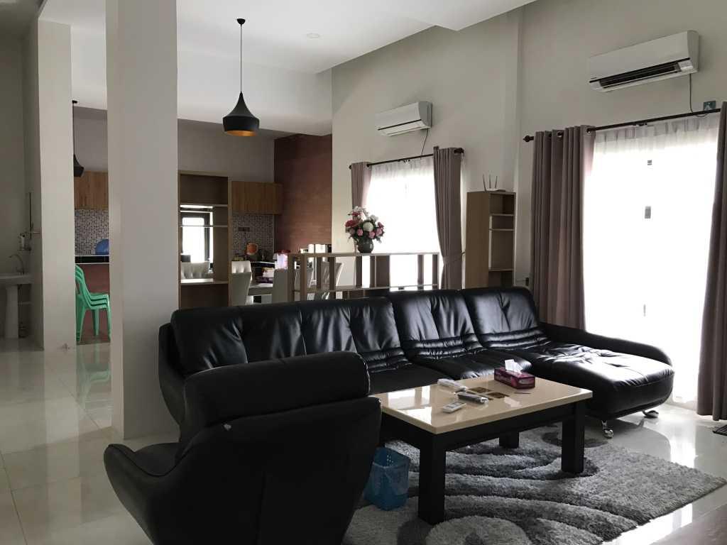 Ardea Architects Guest House - Pt.japfa Myo Thar, Myanmar (Burma) Myo Thar, Myanmar (Burma) Family Room Industrial  40405