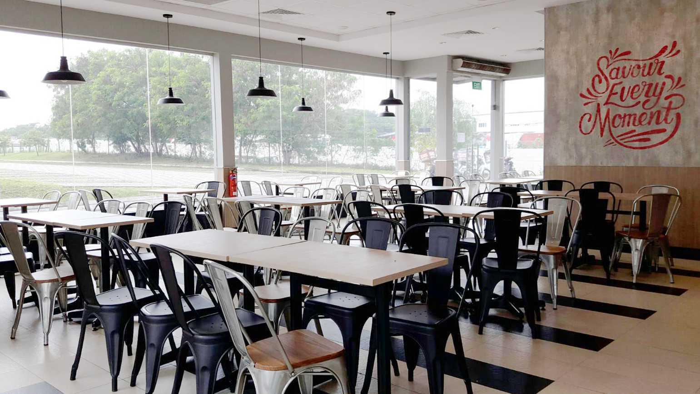 Minimmax Interiors Pte Ltd Kfc Punggol  East  60 Punggol E, Singapore 828824 60 Punggol E, Singapore 828824 Dining Area Modern  38684