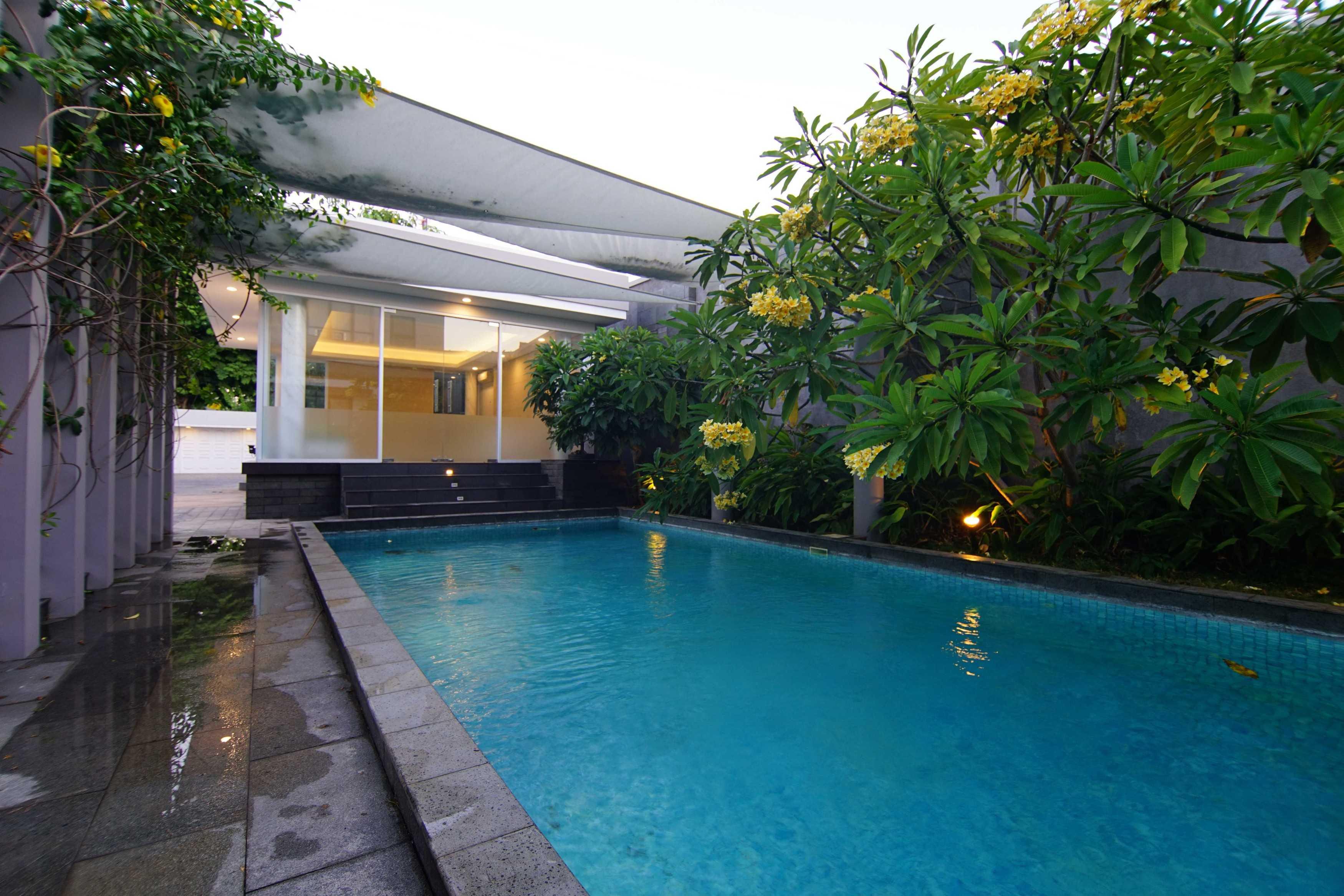 .nicky Setiabudi Architect (Muse  Design) Pl House Kabupaten Tuban, Jawa Timur, Indonesia Kabupaten Tuban, Jawa Timur, Indonesia Pool View From Praying Room   50012