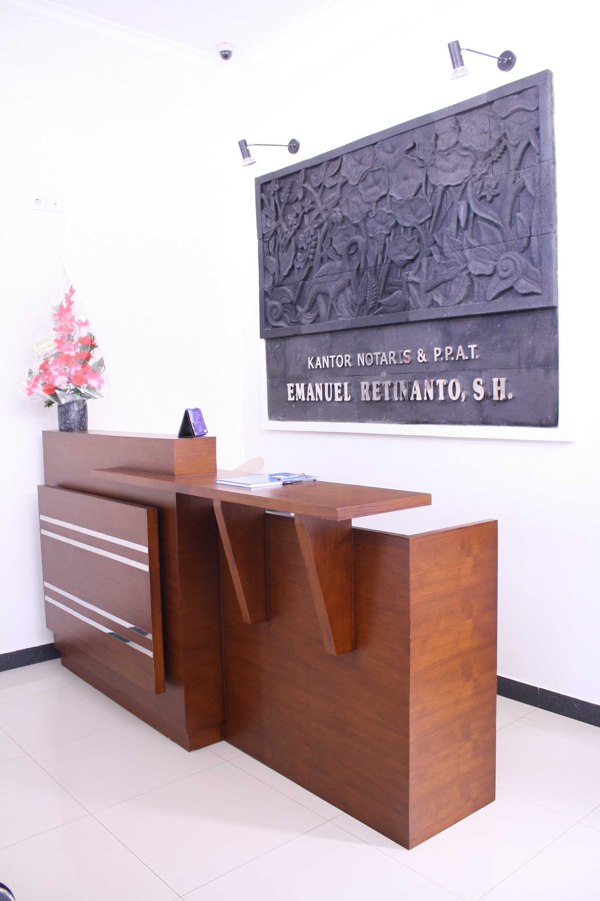 Vastu Cipta Persada Notary Office Daerah Istimewa Yogyakarta, Indonesia Daerah Istimewa Yogyakarta, Indonesia Receptionist Area Art Deco  39445