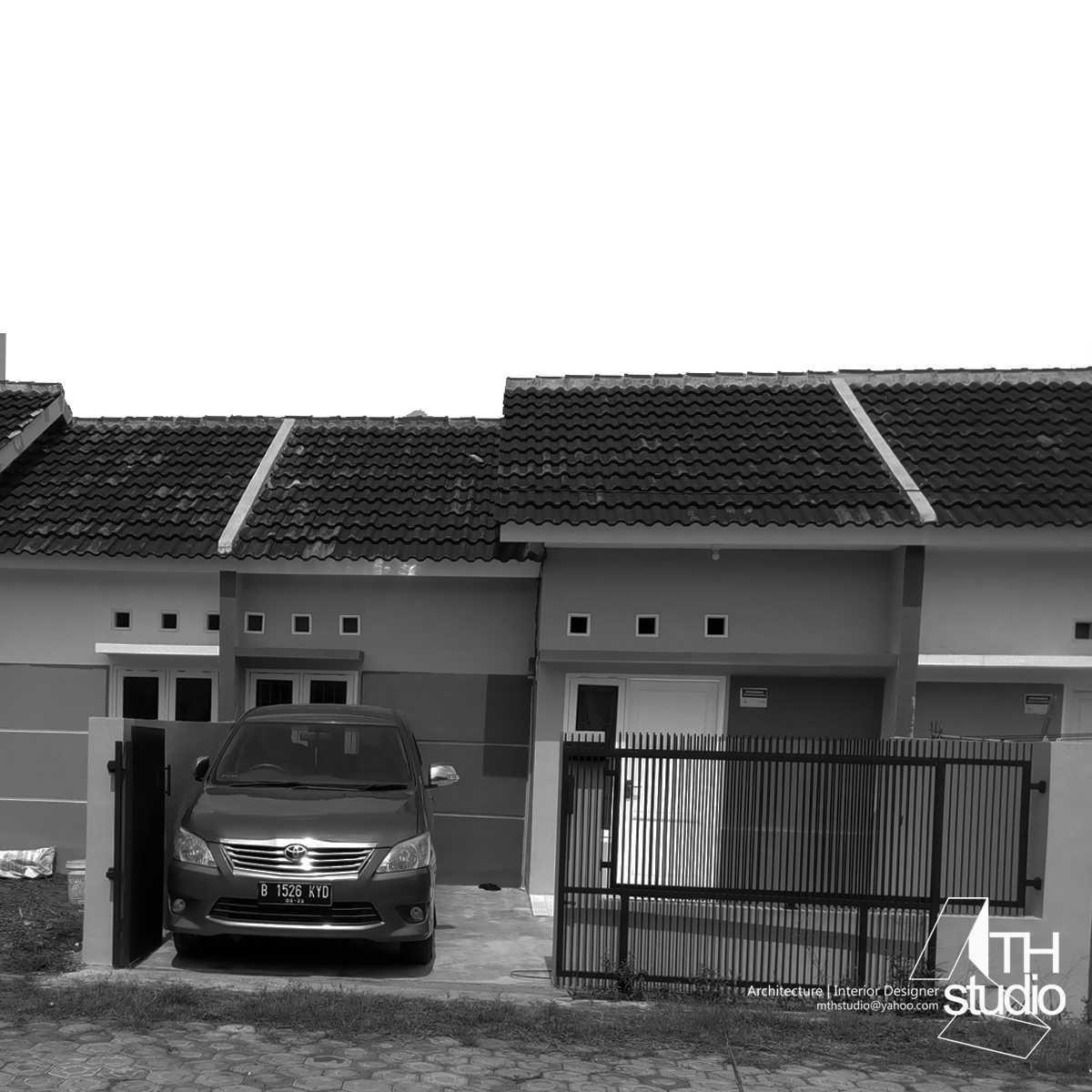 Mth Studio Rumah Tumbuh Sederhana Kabupaten Cianjur, Jawa Barat, Indonesia Kabupaten Cianjur, Jawa Barat, Indonesia Front View Minimalist  40263