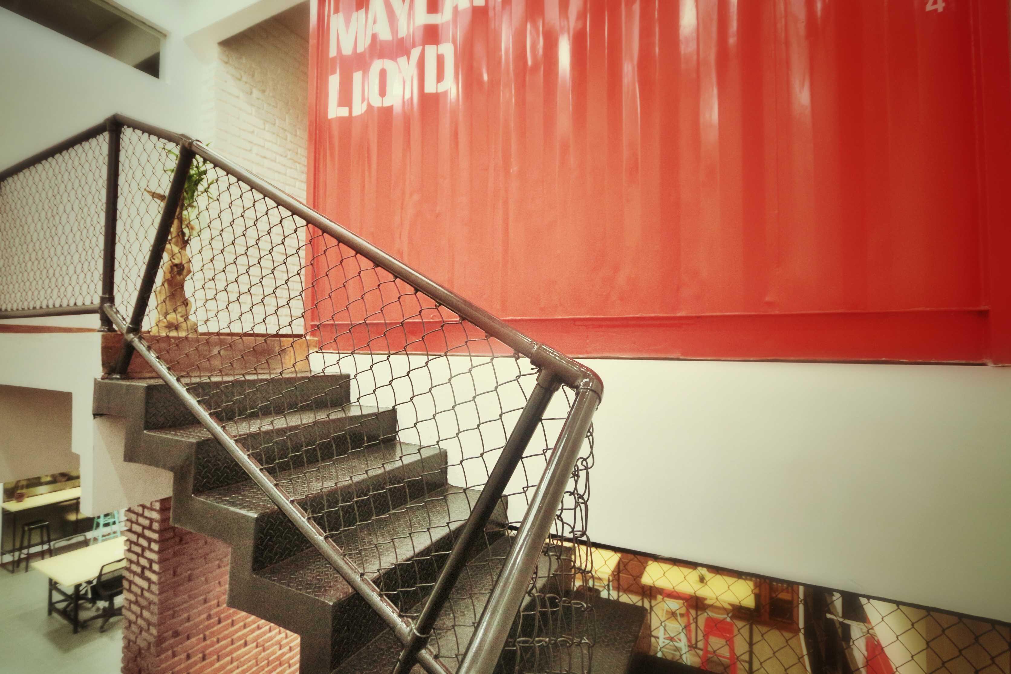 Kotak Design Tier Space Interior Jakarta, Daerah Khusus Ibukota Jakarta, Indonesia Jakarta, Daerah Khusus Ibukota Jakarta, Indonesia Tier Space Interior - Stairs   45461