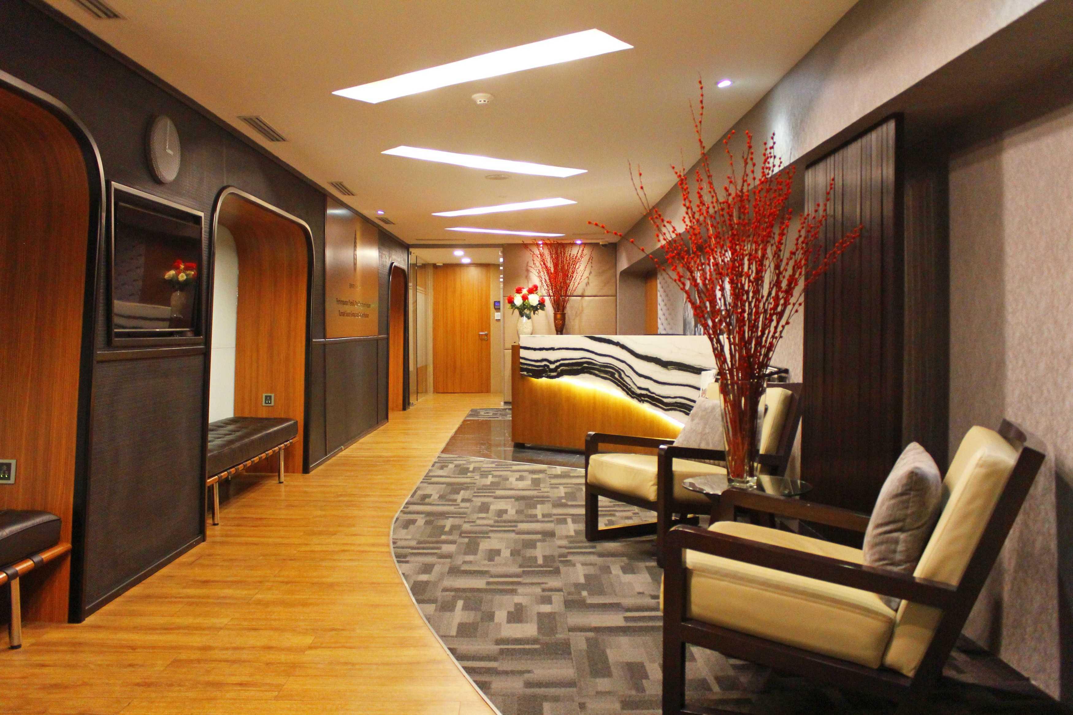 Kotak Design Equity Tower Building Management Office Jakarta, Daerah Khusus Ibukota Jakarta, Indonesia Jakarta, Daerah Khusus Ibukota Jakarta, Indonesia Foyer Modern  45612
