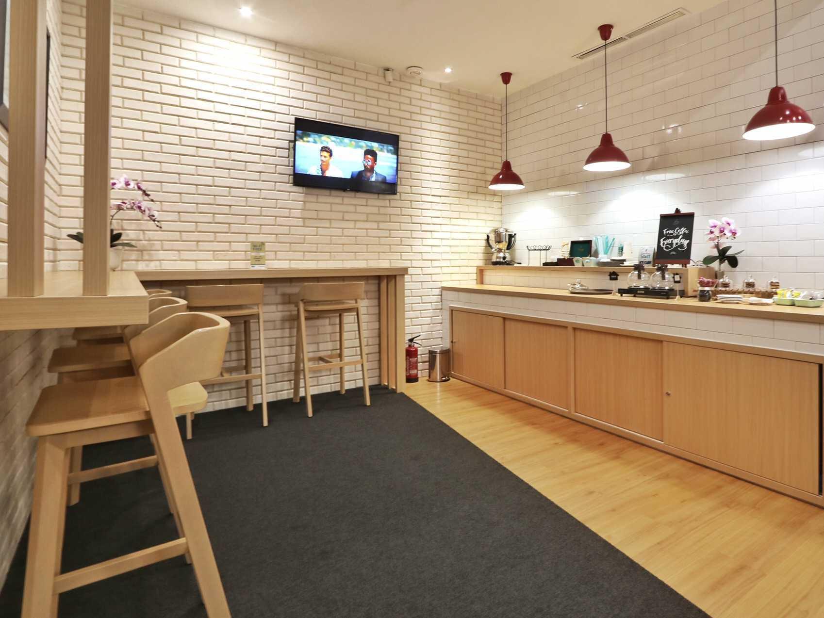 Kotak Design Hana Bank Interior  Jakarta, Daerah Khusus Ibukota Jakarta, Indonesia  Breakout Area Modern  46213
