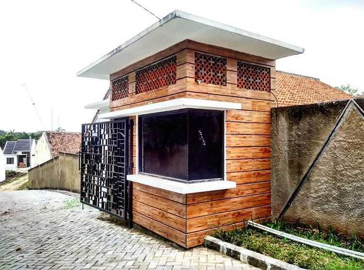 Delyuzir Architects Ayani Residence - Rangkasbitung Rangkasbitung, Kabupaten Lebak, Banten, Indonesia Rangkasbitung, Kabupaten Lebak, Banten, Indonesia Entrance Gate   46227