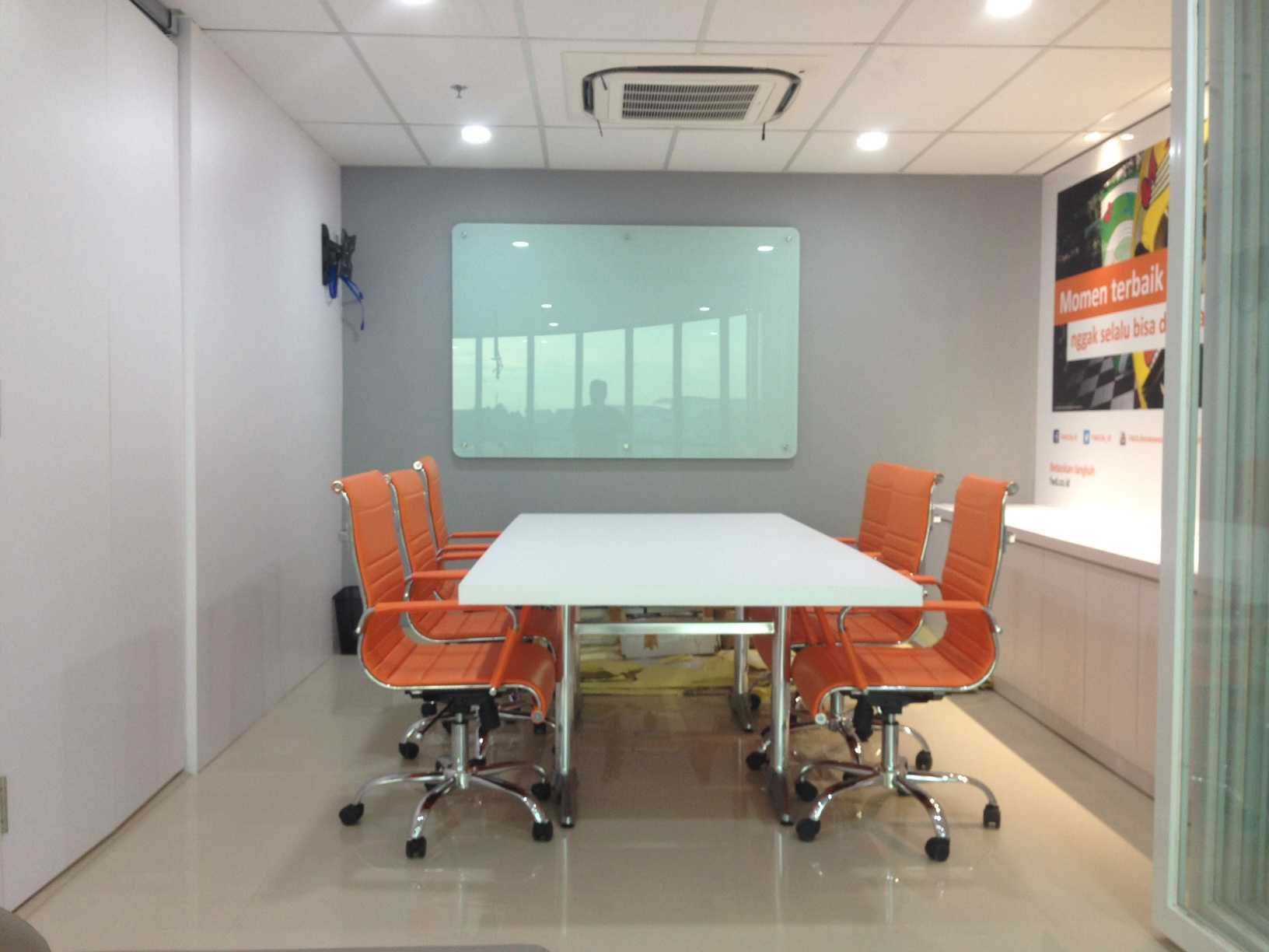 Roemah Cantik Marketing Office Palembang, Kota Palembang, Sumatera Selatan, Indonesia Palembang, Kota Palembang, Sumatera Selatan, Indonesia Meeting Room   43143