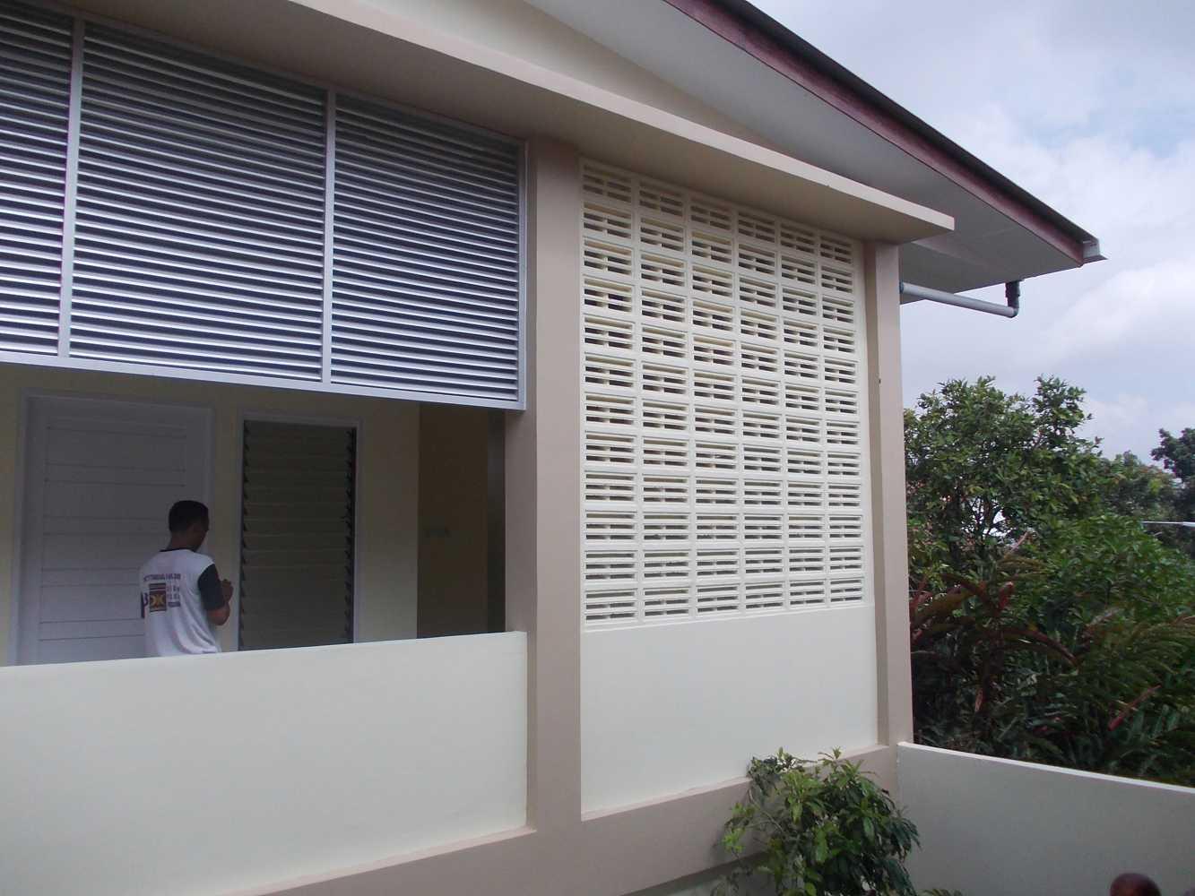 Cv. Griya Cipta Studio Dapur Sentarum Pontianak, Kota Pontianak, Kalimantan Barat, Indonesia Pontianak, Kota Pontianak, Kalimantan Barat, Indonesia Exterior View Tropis  46242