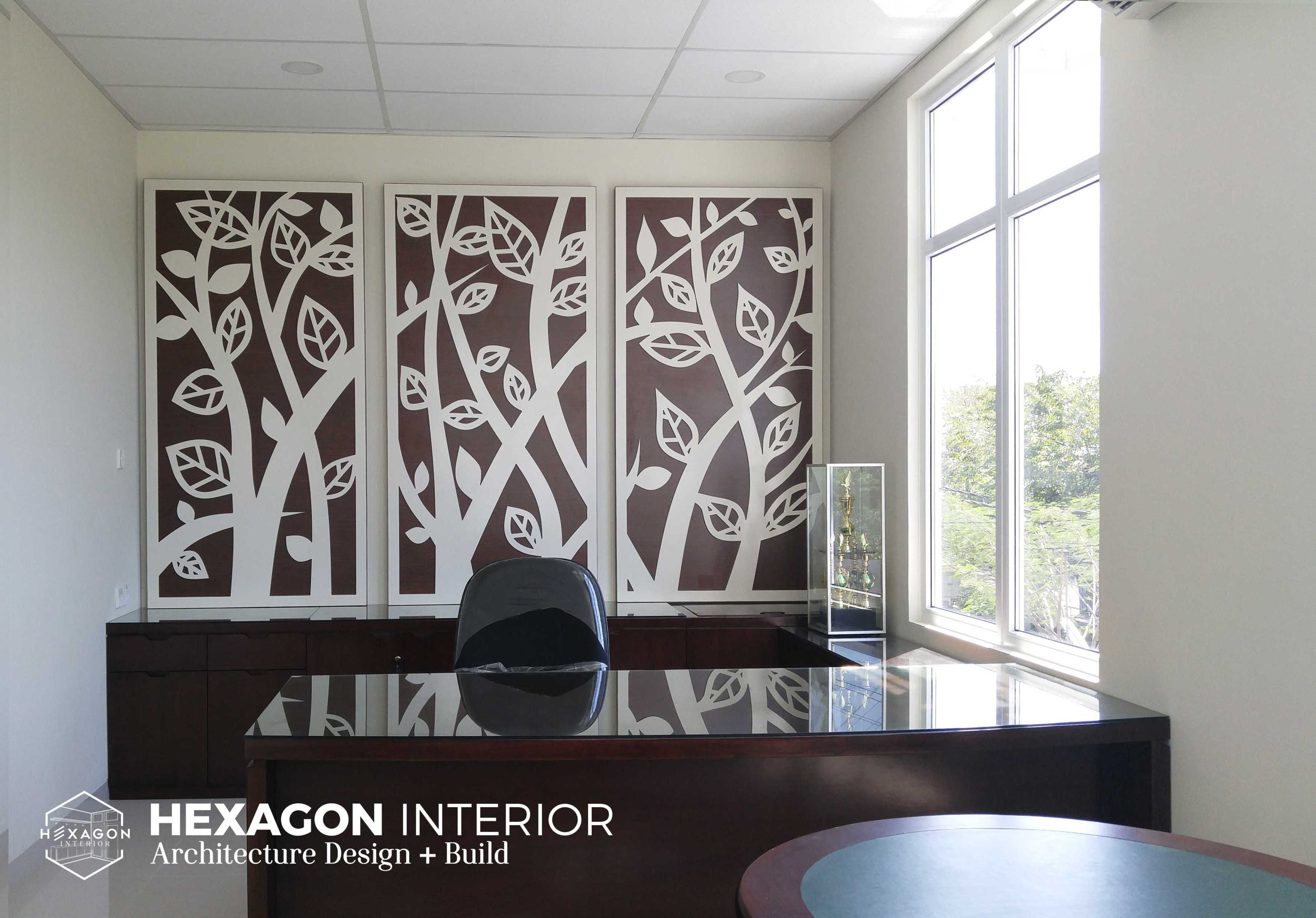 Hexagon Interior Showroom - Office Project At Surabaya   Hexagon-Interior-Showroom-Office-Project-At-Surabaya   51452