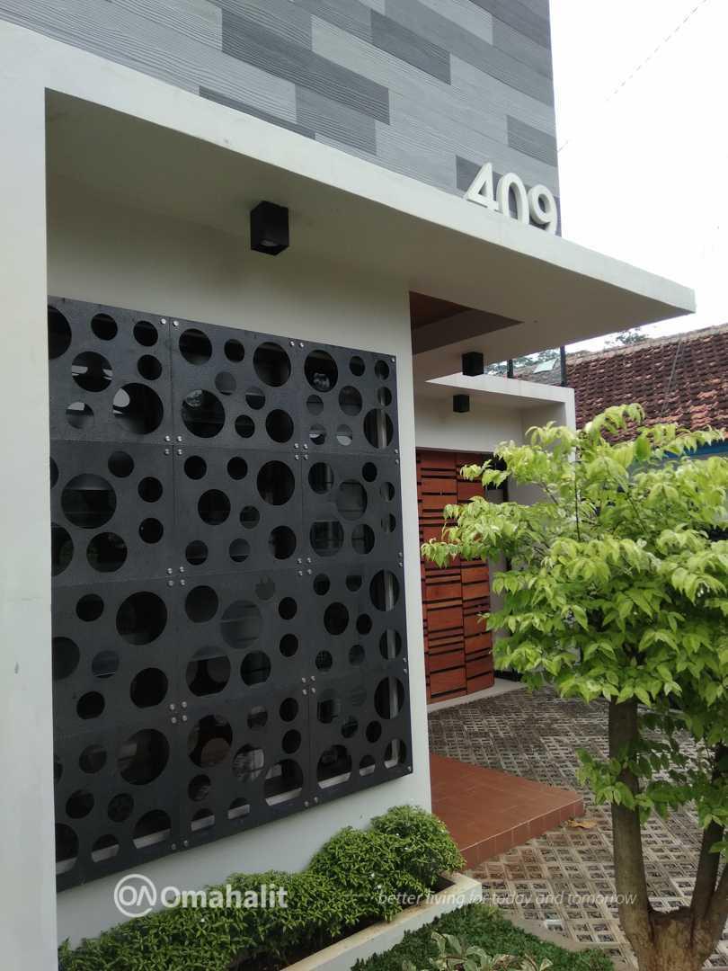 Omahalit Monochrome House Pekalongan, Kota Pekalongan, Jawa Tengah, Indonesia Pekalongan, Kota Pekalongan, Jawa Tengah, Indonesia Omahalit-Monochrome-House Modern  53748
