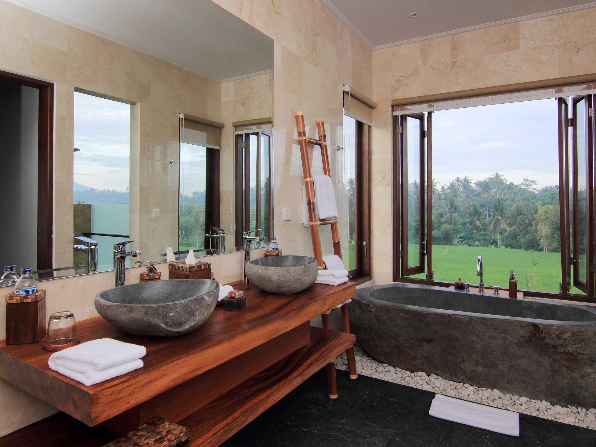 Made Dharmendra Architect Villa Umastana Ubud, Kabupaten Gianyar, Bali, Indonesia Ubud, Kabupaten Gianyar, Bali, Indonesia Bathroom View Tropis  49295