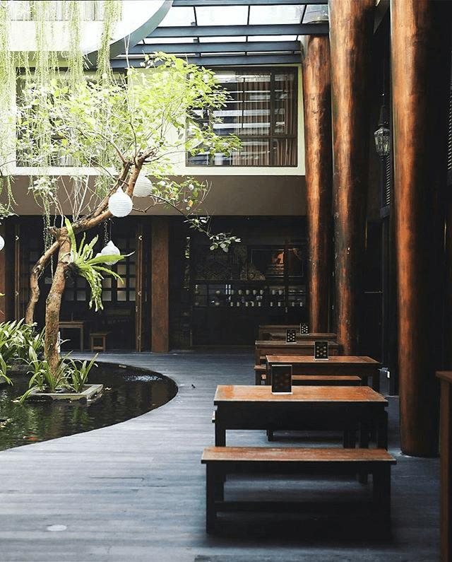 Christ Oak Restaurant Jl. Sunset Road No.101, Kuta, Kabupaten Badung, Bali 80361, Indonesia Jl. Sunset Road No.101, Kuta, Kabupaten Badung, Bali 80361, Indonesia Seating Area Outdoor Modern  50049