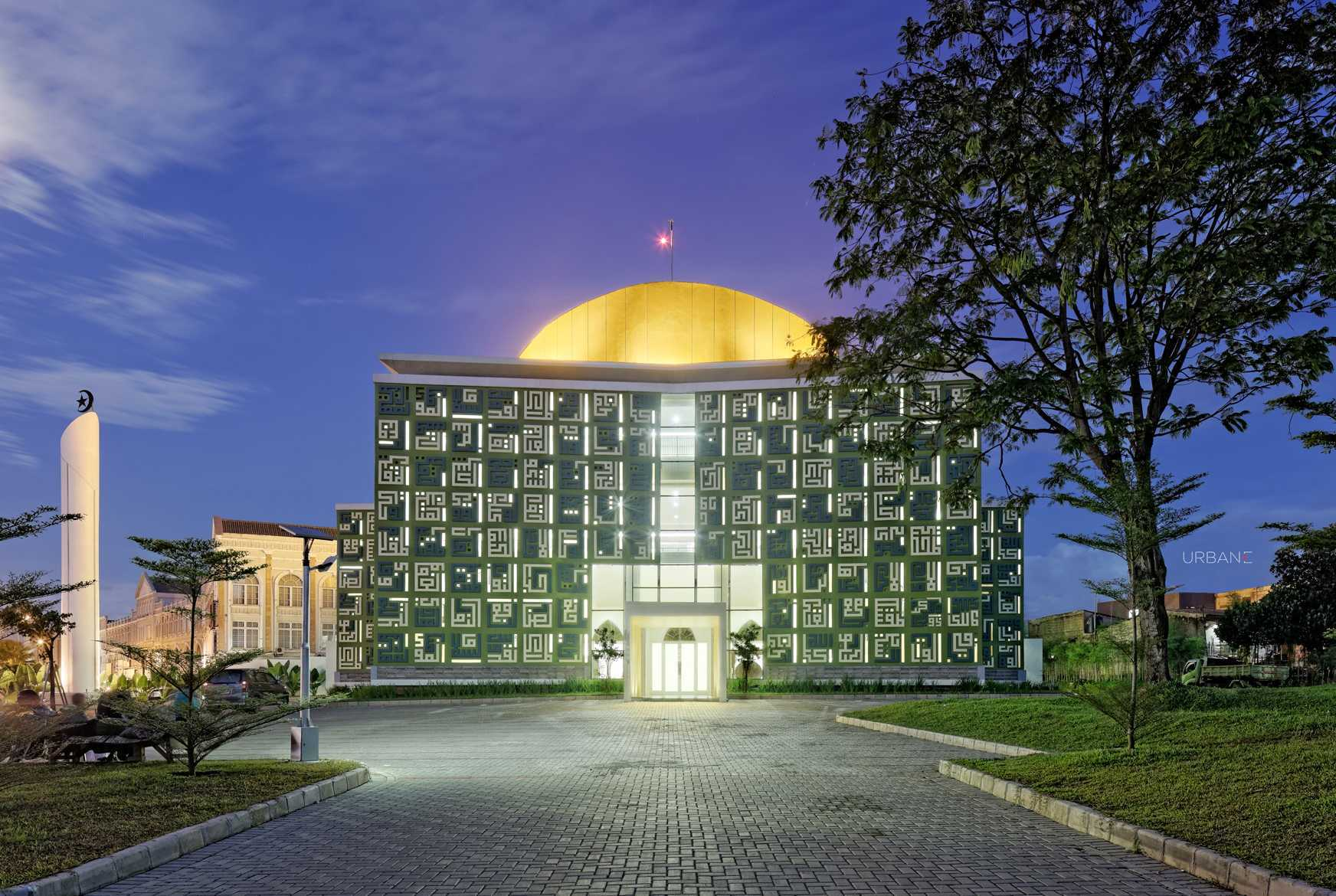 Pt. Urbane Indonesia Masjid Asmaul Husna Summarecon Serpong Serpong, Kota Tangerang Selatan, Banten, Indonesia Serpong, Kota Tangerang Selatan, Banten, Indonesia Front View At Night Kontemporer  52828