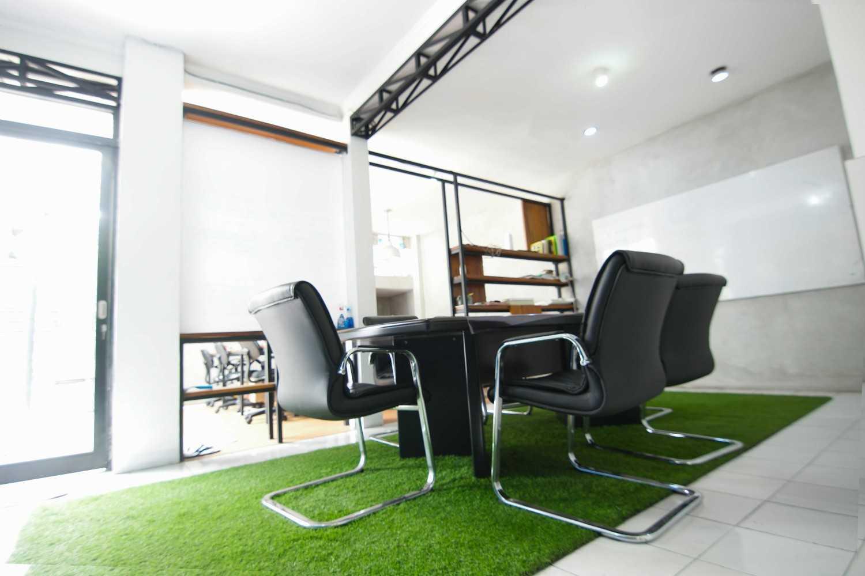 Aaksen Responsible Aarchitecture Musiktulus Management Office Kota Bandung, Jawa Barat, Indonesia Kota Bandung, Jawa Barat, Indonesia Tulus9  47674