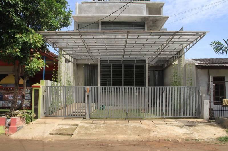 Foto inspirasi ide desain rumah minimalis Corridor oleh RAW Architecture di Arsitag