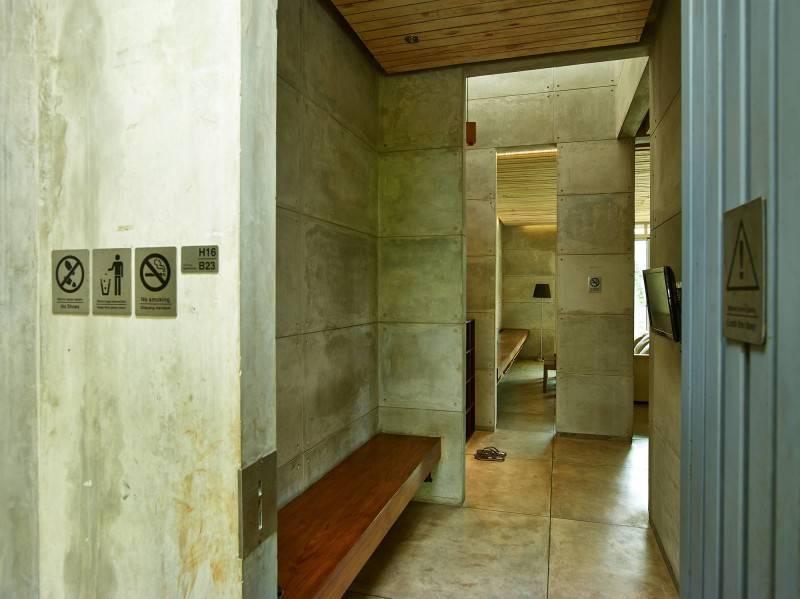 Raw Architecture Bare Minimalist Jakarta, Indonesia Jakarta, Indonesia Entrance Into Foyer  1525
