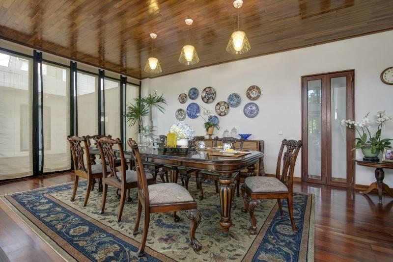 Foto inspirasi ide desain ruang makan kontemporer Dining room oleh RAW Architecture di Arsitag