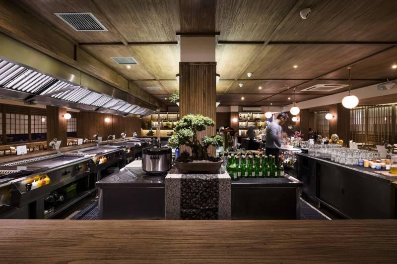 Foto inspirasi ide desain restoran Cooking area oleh Bitte Design Studio di Arsitag