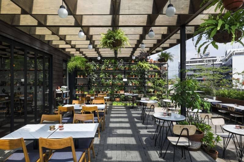 Bitte Design Studio Hause Rooftop At Setiabudi Jakarta, Indonesia Jakarta, Indonesia Outdoor Seating Area Tropical 1993