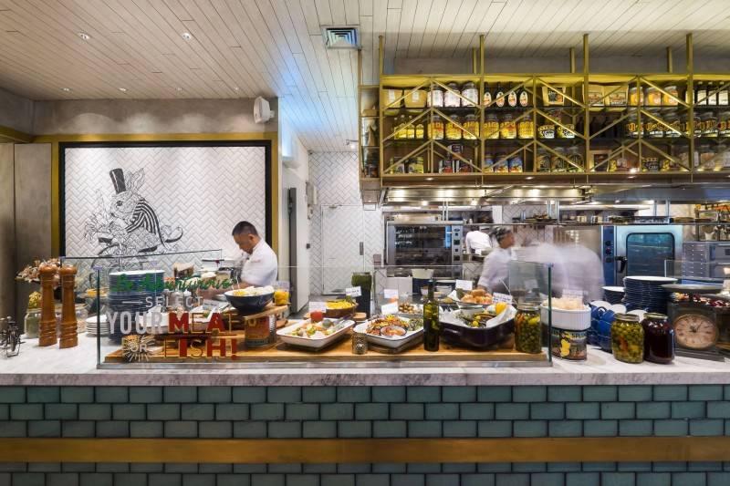 Foto inspirasi ide desain dapur Public markette kitchen oleh Bitte Design Studio di Arsitag