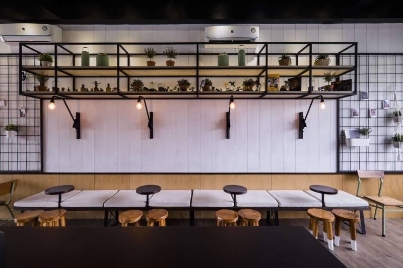 Bitte Design Studio Voyage Coffee At Gading Serpong  Tangerang, Indonesia Tangerang, Indonesia Seating Area  2021