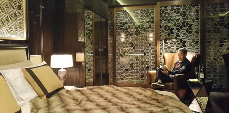 Foto inspirasi ide desain apartemen kontemporer Bedroom oleh TMS Creative di Arsitag
