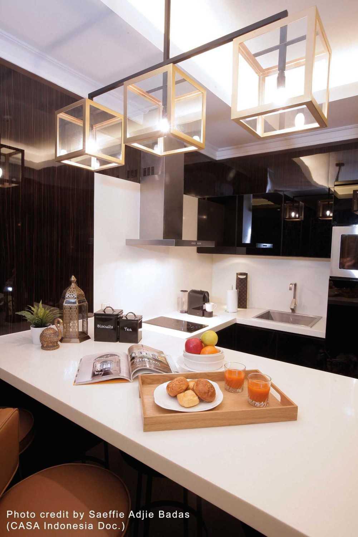 Foto inspirasi ide desain dapur kontemporer Lowres-tmsres81bdr-04pantry oleh TMS Creative di Arsitag