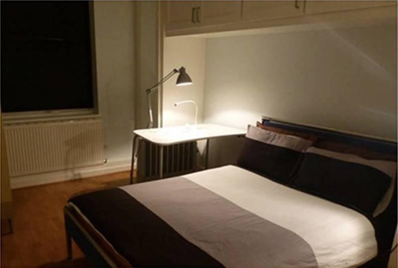 Foto inspirasi ide desain kamar tidur kontemporer Bedroom oleh TMS Creative di Arsitag