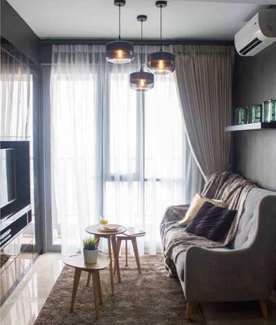 Foto inspirasi ide desain apartemen skandinavia Living-room oleh TMS Creative di Arsitag