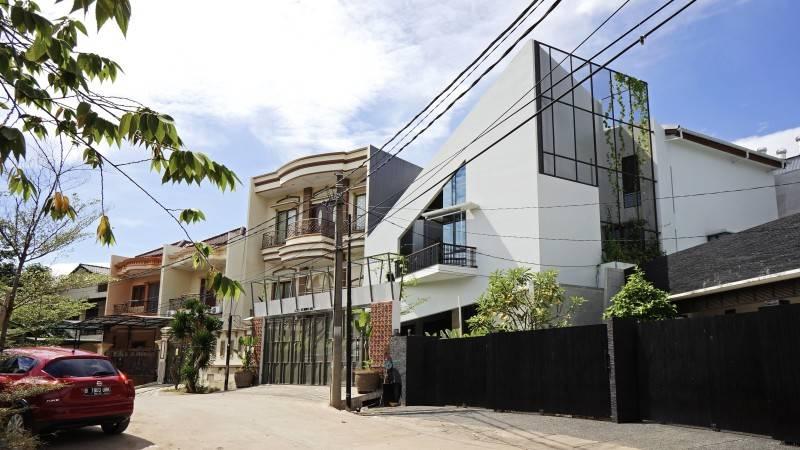 Sonny Sutanto Architects Sonny Sutanto Architects New Office Sunter, North Jakarta, Indonesia Sunter, North Jakarta, Indonesia Side View  2096