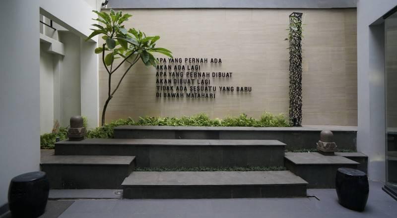 Sonny Sutanto Architects Sonny Sutanto Architects New Office Sunter, North Jakarta, Indonesia Sunter, North Jakarta, Indonesia Courtyard  2100