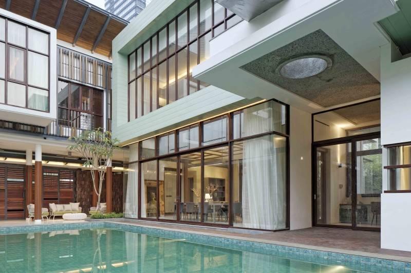 Atelier Cosmas Gozali Denpasar Residence At Kuningan Jakarta, Indonesia Jakarta, Indonesia Swimming Pool View  2279